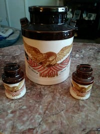 two white and brown ceramic mugs Franklin, 45005