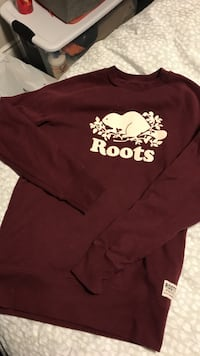Maroon and white roots-printed sweater London, N6A 3B6