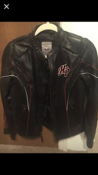 Black leather zip-up jacket- Harley Davidson  womans regular size small Manchester, 03102