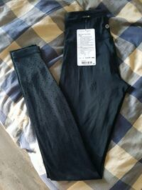 Lululemon leggings  Victoria, V8T 2T2