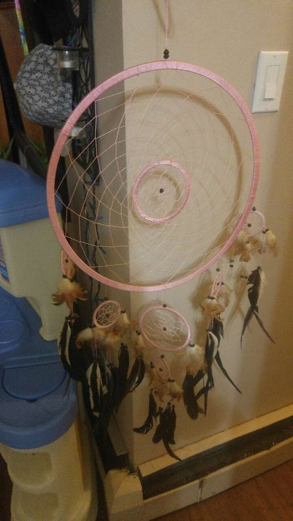 Used Pink And White Feather Dream Catcher For Sale In Calgary Letgo Simple Dream Catchers Calgary