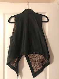 DREAM CLOSET - BEBE Leather Vest with inside Leopard Print and side zipper pockets - L Kitchener, N2H 0G5
