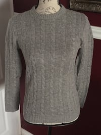 H&M ladies sweater size xs