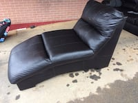 Black vynil chaise chair 192 mi