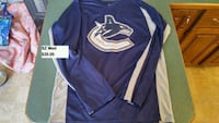 Vancouver Canucks adult sz med jersey Timberlea, B3T 1G2