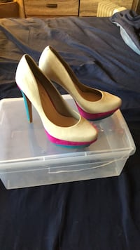 JESSICA SIMPSON  SHOES SIZE 8 worn only once Syosset, 11753