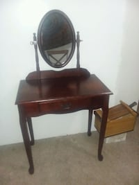 black wooden vanity table with mirror Pittsburgh, 15202
