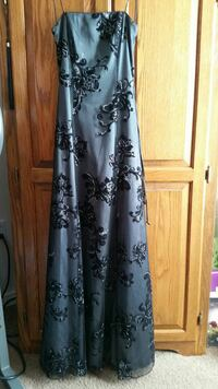 women's black and white floral strapless dress
