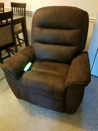 NEW Power lift mechanism recliner. NEW Falls Church, 22043