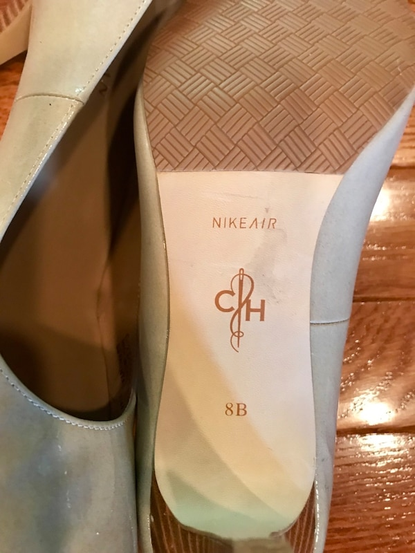 Patent Leather Cole Haan with Nike Air technology Size 8 4fc12e36-42e6-4c4a-b486-f20d11657654