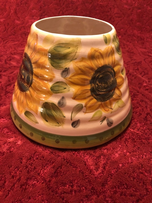 Sunflowers Ceramic Candle Shade 2d3ab27e-0343-40ef-bb3c-ff5ee7a225a6