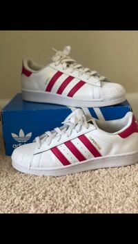 pair of white-and-red Adidas Superstar Washington, 20032