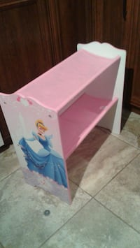 white and pink plastic bed frame Saint-Jean-sur-Richelieu, J2X 5K7