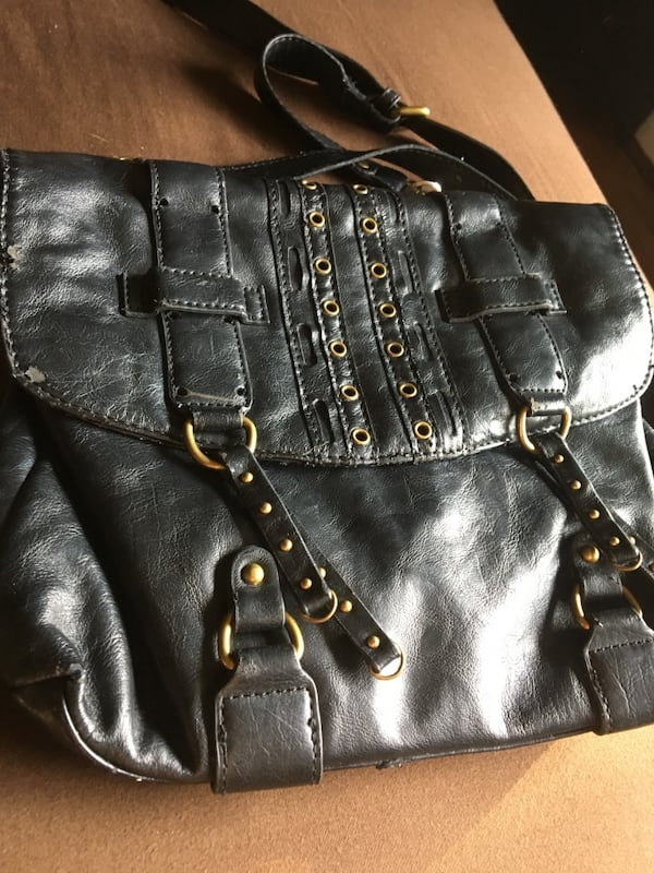 Woman's leather bag  1