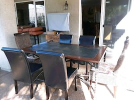 Table & Chairs - excellent condition