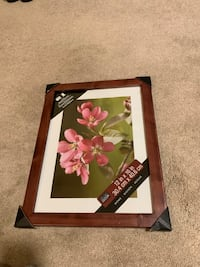 Wood Picture Frame (12 x 16) Chantilly, 20152