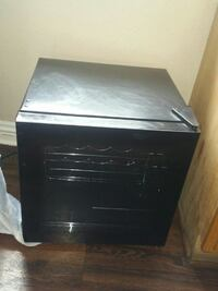 Insignia Wine Cooler Black working condition used  Santa Ana