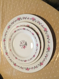 Beautiful dishes svc for 10 Rockville, 20850
