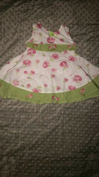 girl's white and pink floral dress 1056 mi