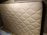 Queen size mattress and box spring  Toronto, M5T 2Y5
