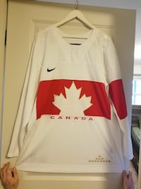 Team Canada Mens Jersey Large