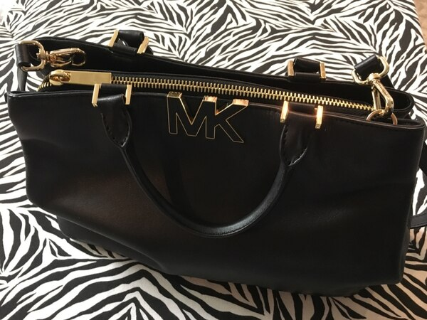 Authentic Micheal Kors Hand Bag