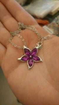 New silver purple flower pendant necklace Montreal, H8T