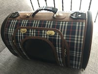 Black and white plaid pet Carrier