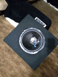 "15"" subwoofer w/ box and amp Birmingham, 35217"