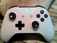 white Xbox One game controller New Orleans, 70126