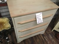 white wooden 3-drawer chest Forest Hill, 76119