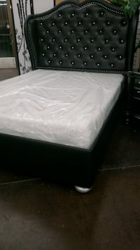 Queen Diamond accent bed with memory foam mattress North Highlands