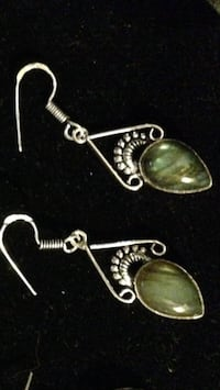 Sterling silver precious stone earring stone is laborite