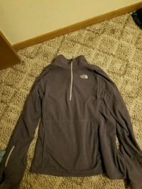 Northface fleece & Under armor lomg sleeve Erie, 16507