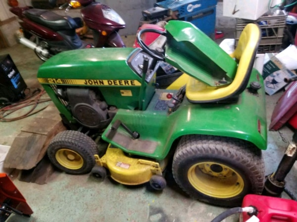 John Deere 214 >> John Deere 214 Ride On Lawnmower Usage A Vendre A York Letgo