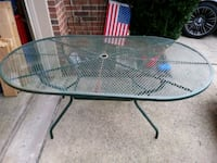 round clear glass-top patio table Alexandria, 22304