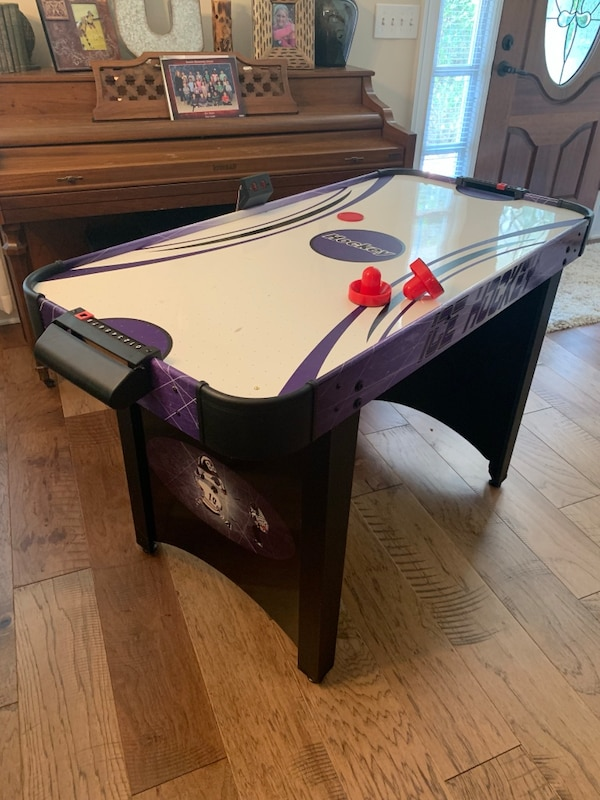 Hathaway Hat Trick 4 Ft Air Hockey Table With Electronic And Manual Score Leg Levelers