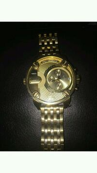 round gold chronograph watch with link bracelet Alhambra, 91803