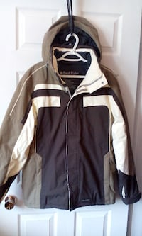BANFF OUTFITTERS SKI JACKET $20 SIZE MEDIUM Central Okanagan