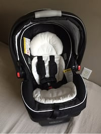 Graco car seat in new condition  560 km