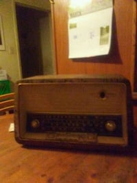 Old school radio that works Calgary, T2K