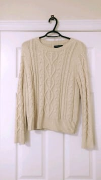 women's beige knitted sweater London, N6G 5H6