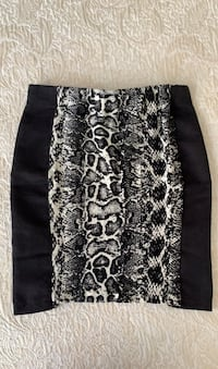 Stretchy H&M skirt size 4