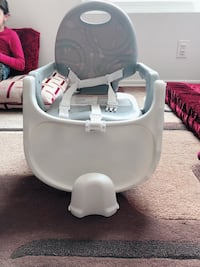 baby's white and gray high chair Los Angeles, 91304