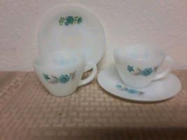 2 vintage Pyrex cups and saucers