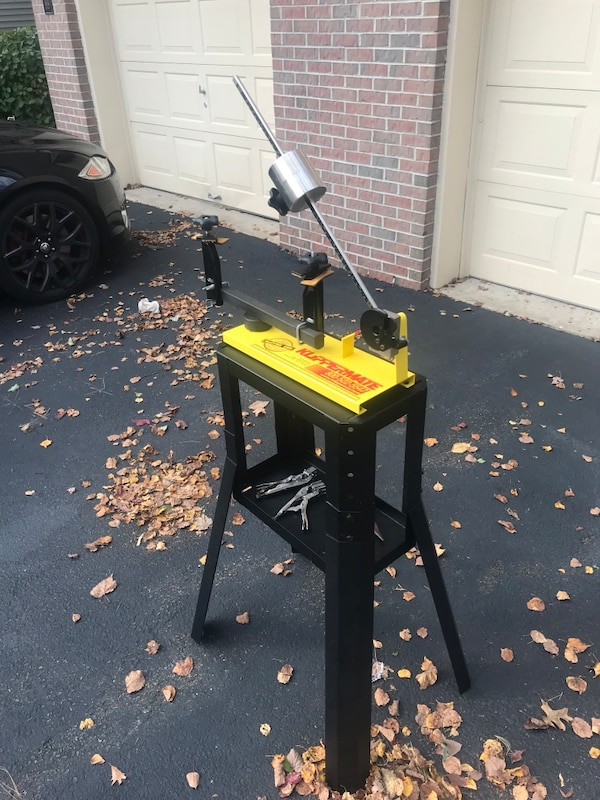 Klippermate drop weight stringing machine w/ Stand and includes free string jaws