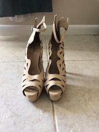 pair of white leather open-toe heeled sandals Longwood, 32750