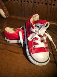 pair of red Converse All Star low-top sneakers Oxnard, 93033