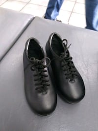 $10 almost new Theatrical girls sz 7.5c tap shoes Las Vegas, 89145