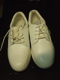 new size 7w white nursing shoes,$10, 2159 Mississauga